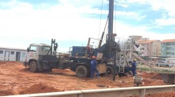 Perfuratriz estaca escavada