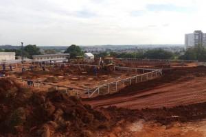 Estacas escavadas para obras